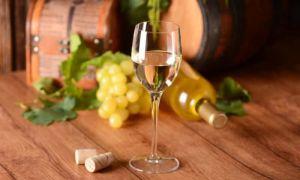 Белое грузинское вино