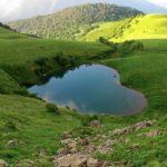 озеро в форме срдца