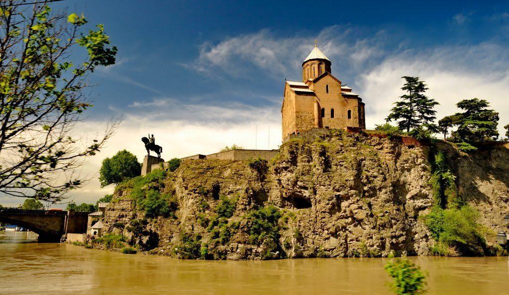 Успенская церковь Метехи Тбилиси