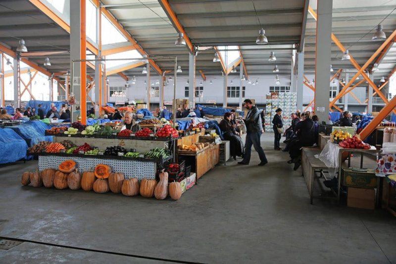 6c34b2c388b7 Дезертирка-или-продуктовый-рынок-Тбилиси ...