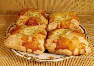 Хачапури с сыром и ворогом
