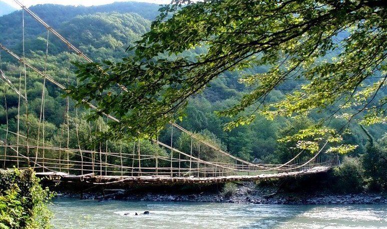 Канатный мост через реку Бзыбь