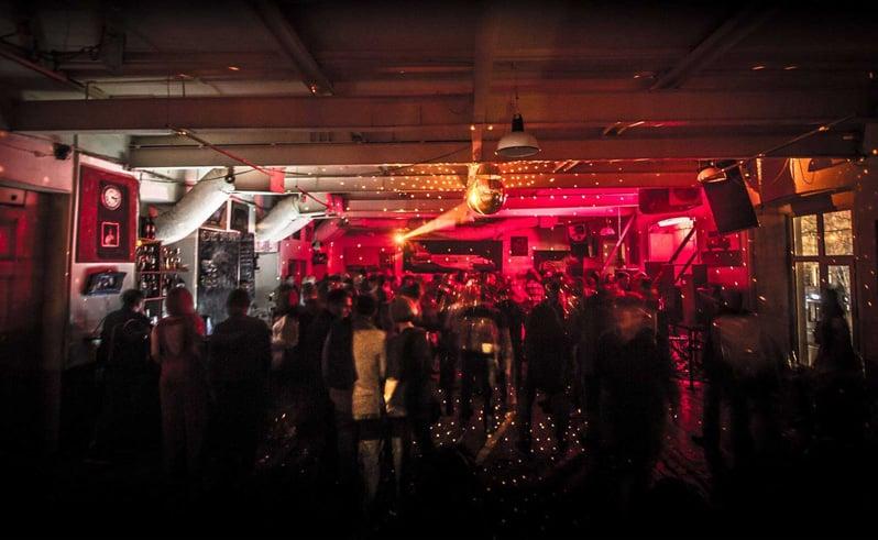 Клуб москва тбилиси фанфик описание ночного клуба