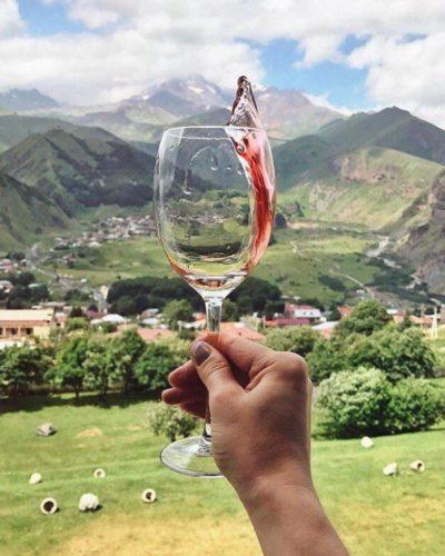 «Лучше гор могут быть только горы и вино!»