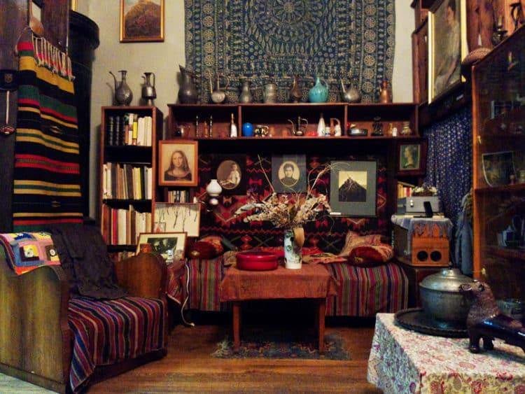 Музей Елены Ахаледиани