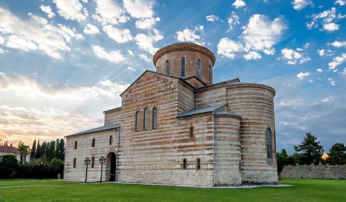 Патриарший храм Апостола Первозданного