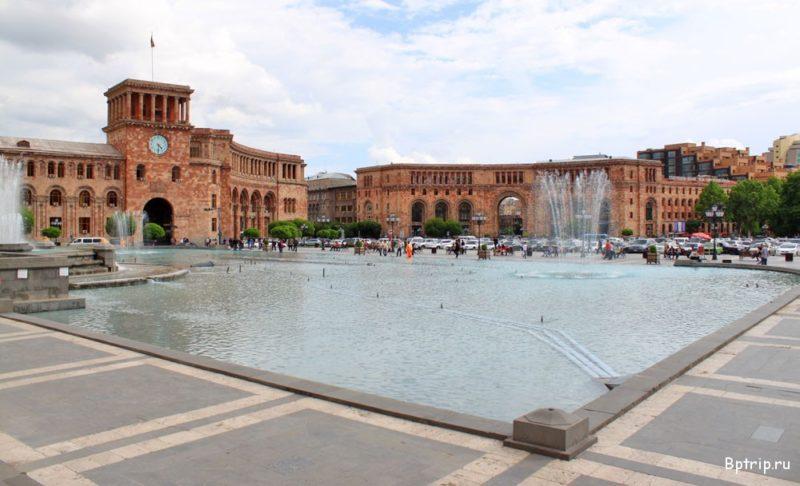 Площадь Республики
