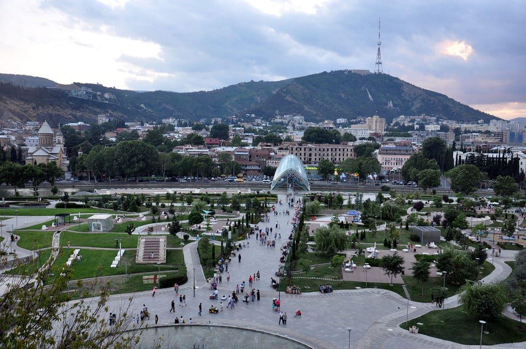 Площадь Свободы и парк имени Пушкина