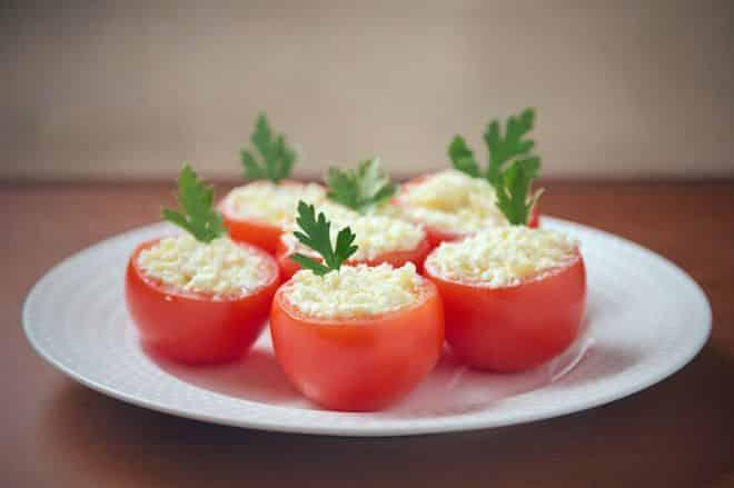 С помидорами и яйцами
