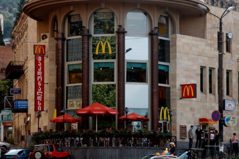 Уличные закусочные в Тбилиси