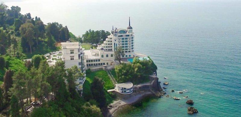 Замок над морем