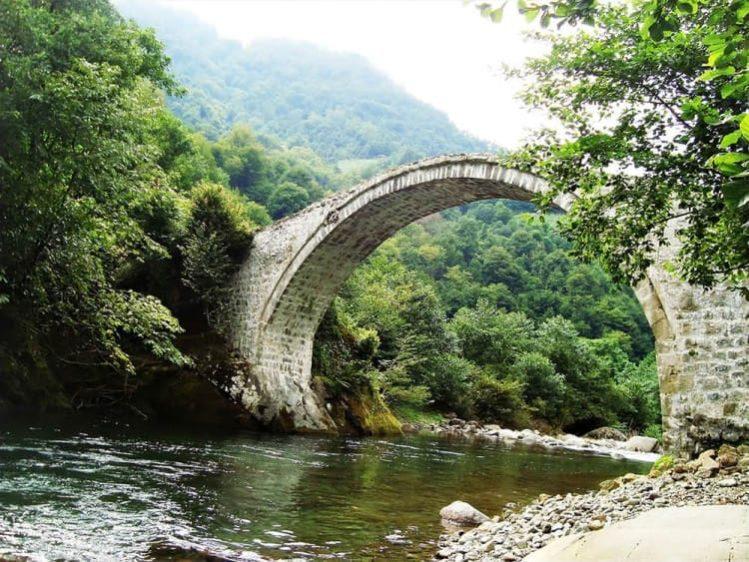 арочный мост Дандало