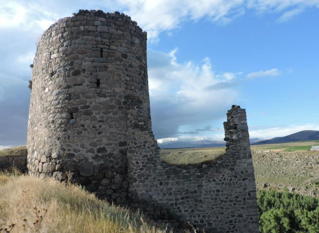 крепость Сурами