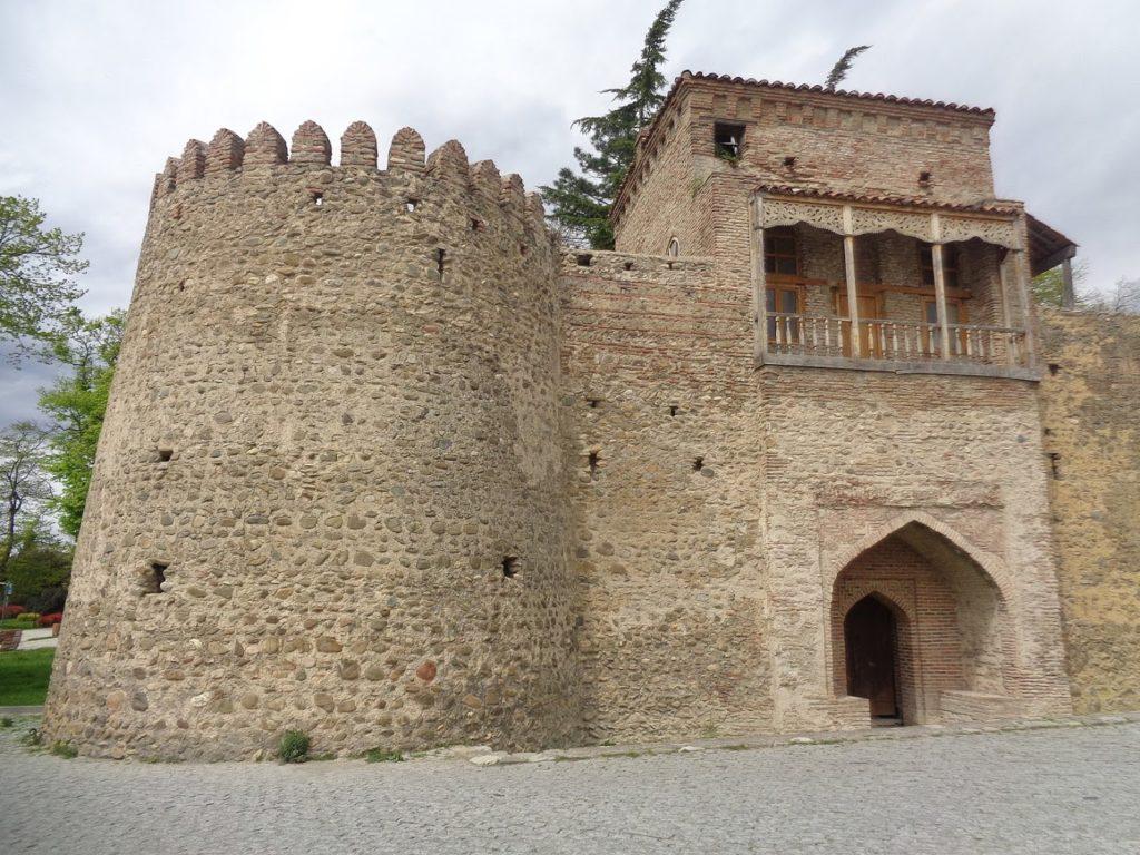 крепости Батонис Цихе