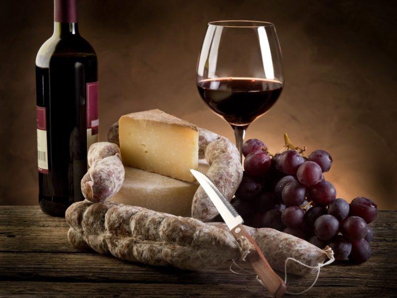 Красное сухое вино с чем подавать