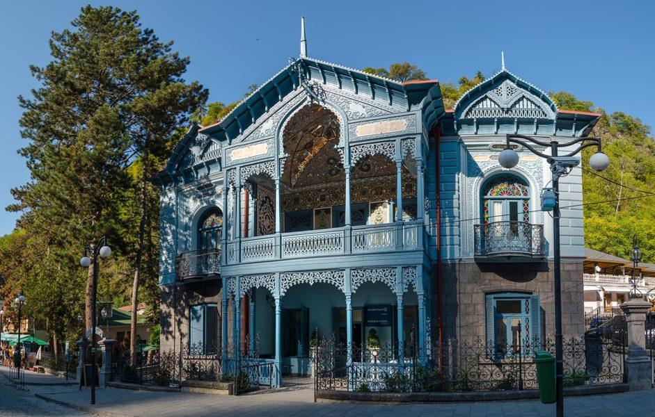 символ города - Дом Мирза-Риза-хана